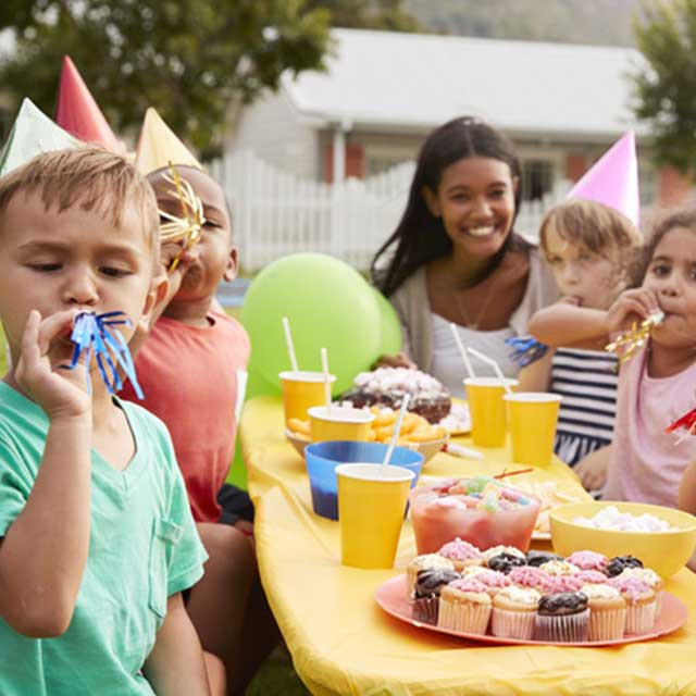 Pint-sized party lunch